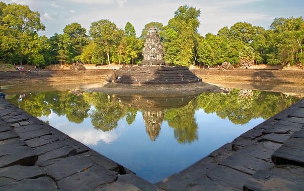 1484035001_siem_reap_reflections_(cambodia-reflection-neak_pean)_ii_(1070421461).jpg