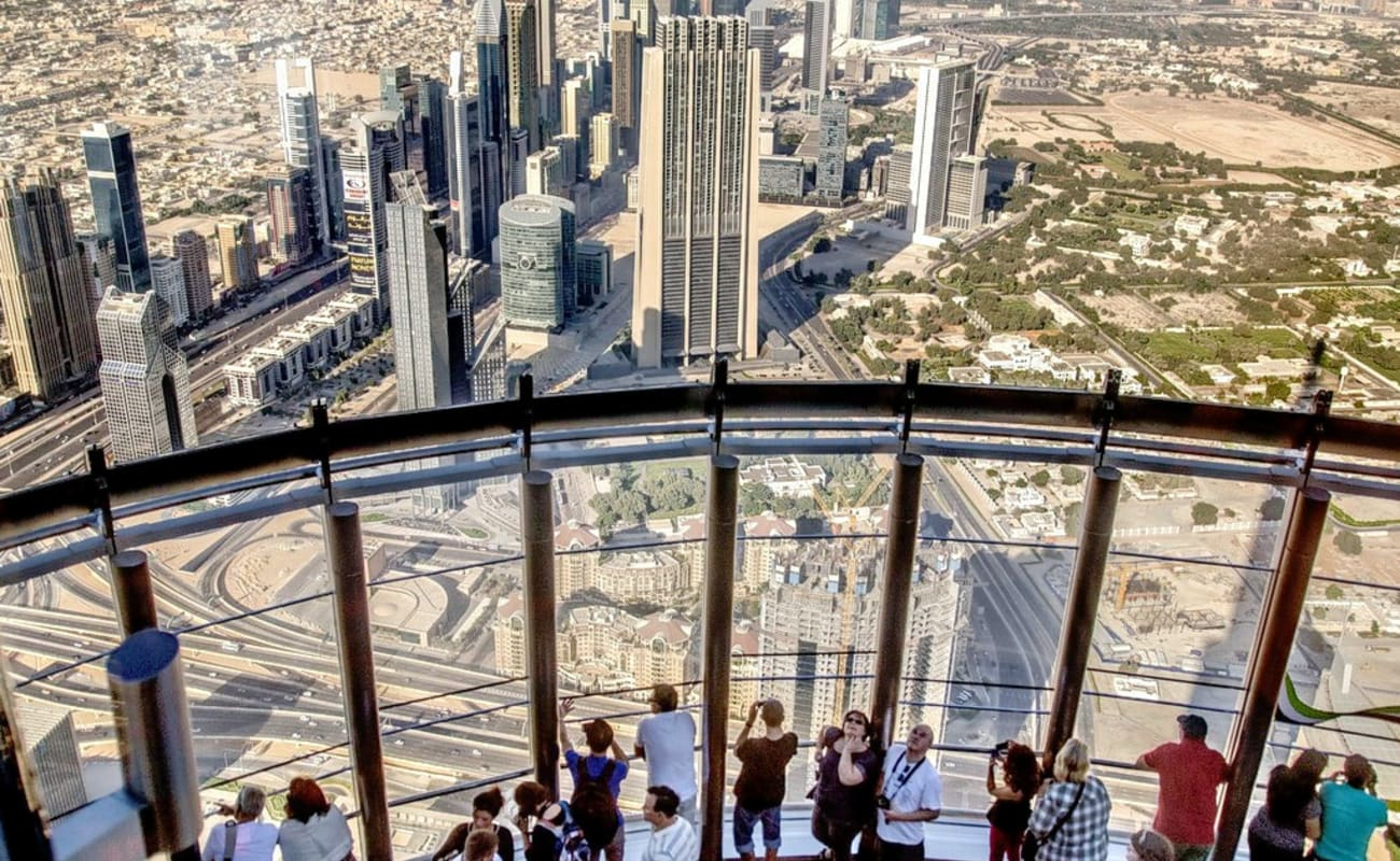 Burj khalifa at the top with transfers thrillophilia for Best at dubai