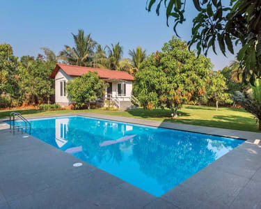 Exotic Pool Villa in Karjat