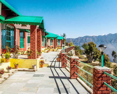 Budget Experiential Stay near Kanatal