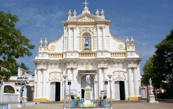 Puducherry_immaculate_conception_cathedral_2.jpg