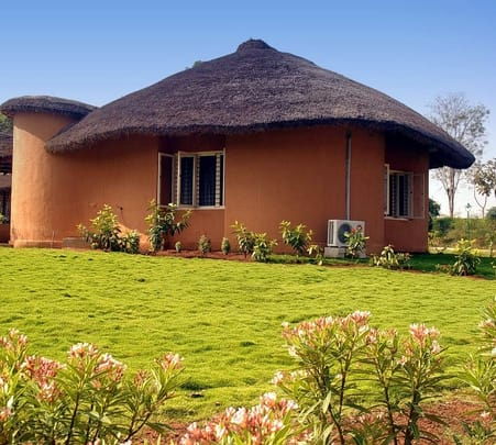 Stay at Kings Sanctuary Resort in Nagarhole, Karanataka