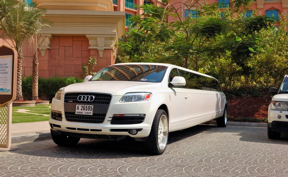 How to Get the Beat Deals From Luxury Limousine Provider