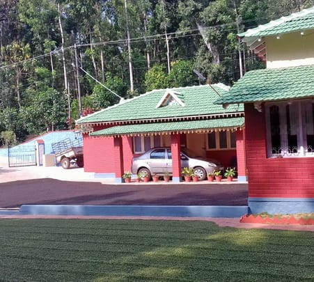 Homestay with Tea Estate Walk, Chikmagalur