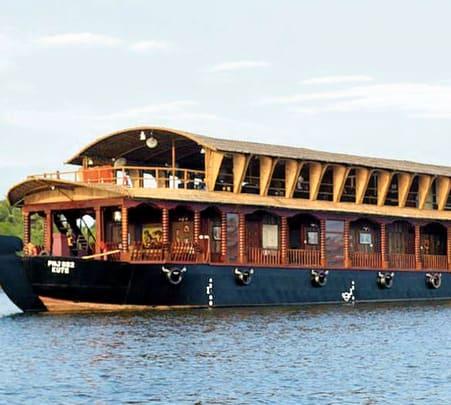 1 Night Luxury Houseboat in Goa