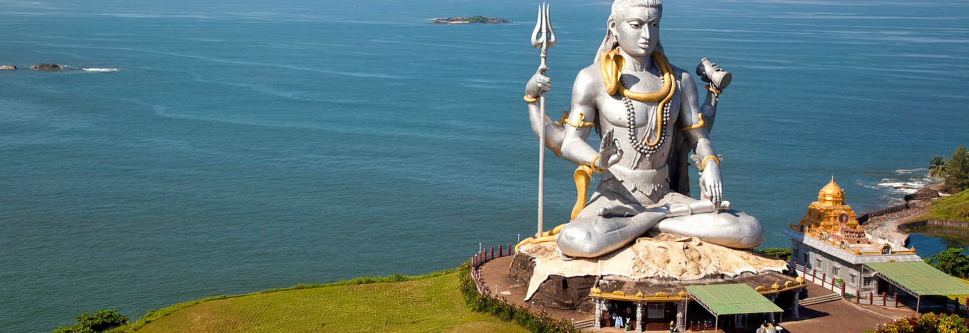 1492182966_lord_shiva_in_murudeshwara_temple.jpg