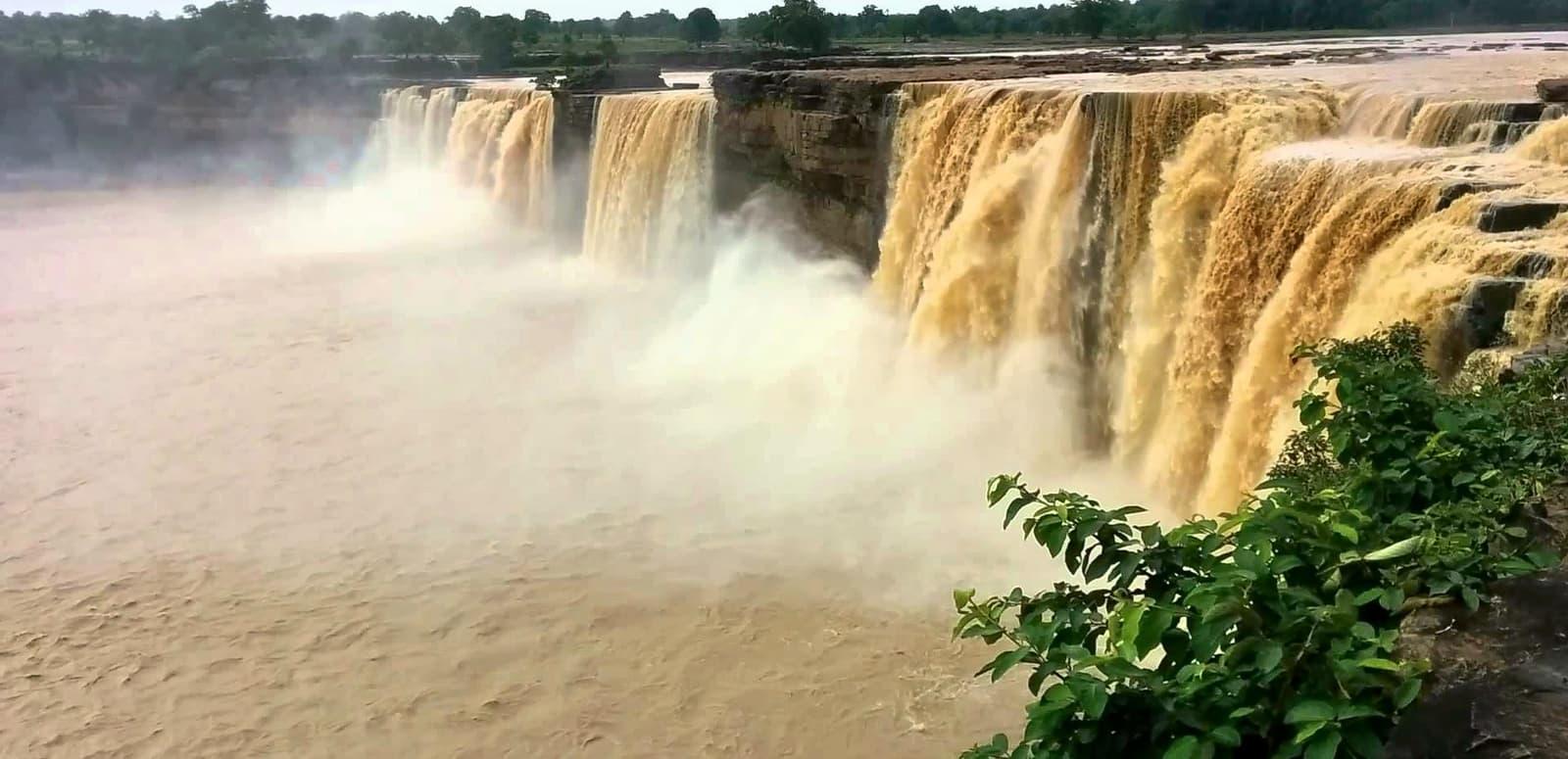 10 Best Waterfalls in Chhattis...