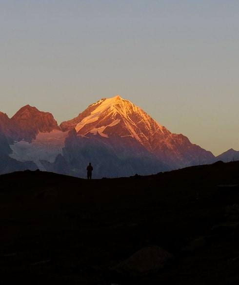 1507740735_trekking-1742814_1920.jpg