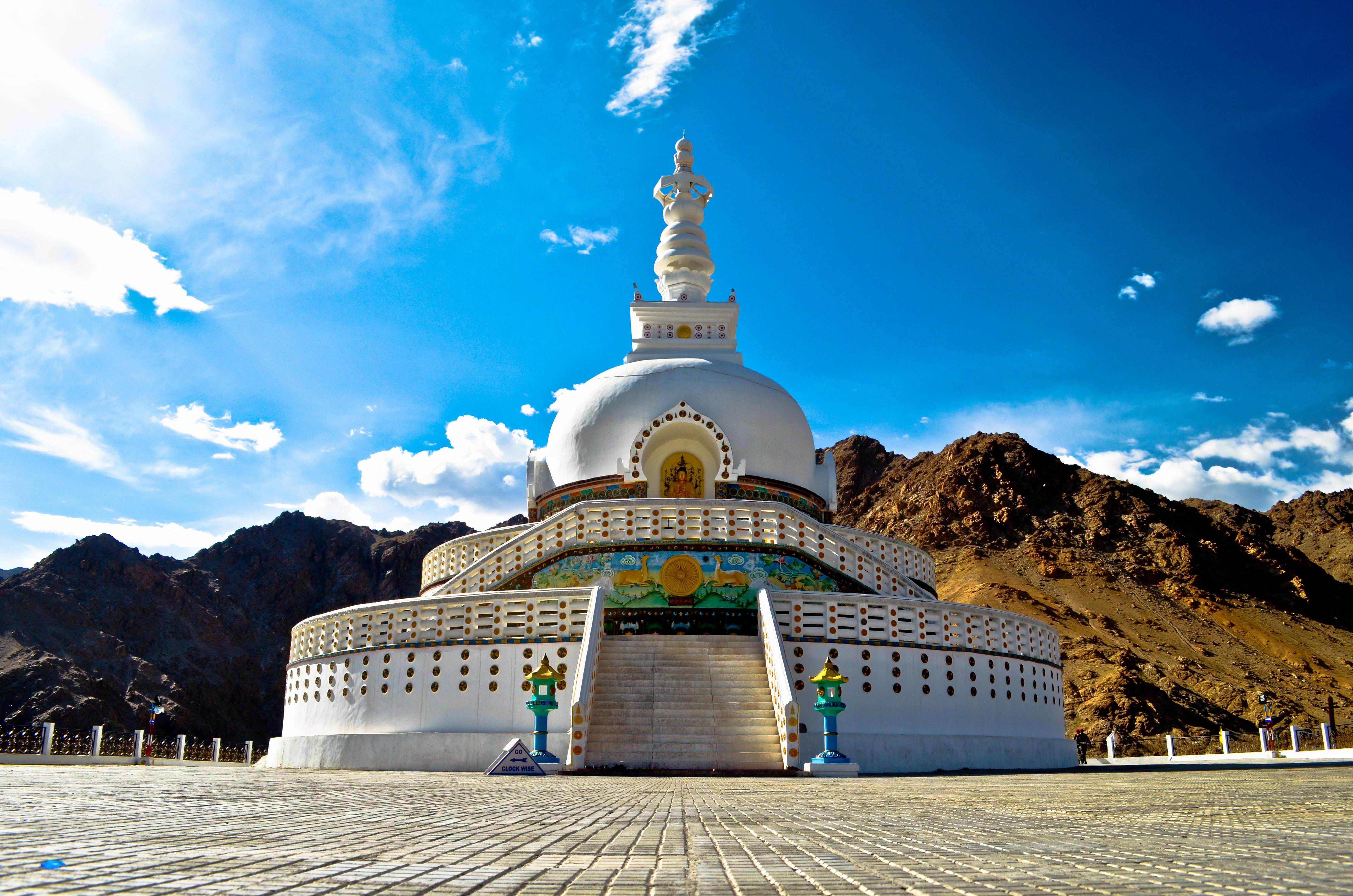 1512369449_shanti_stupa__2cladakh.jpg