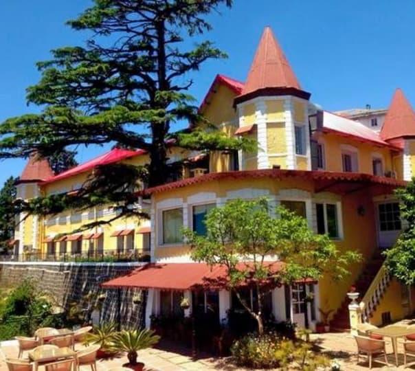 Stay at Welcomheritage Kasmanda Palace