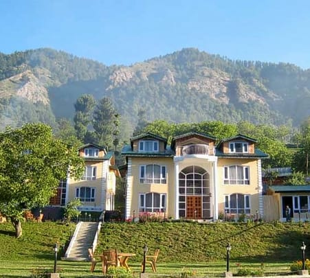 Resort Stay in Pahalgam