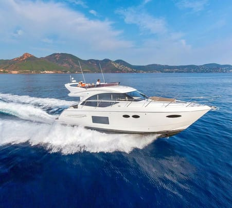 Luxury Yacht Experience in Mumbai with F&b and Alcohol