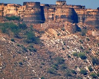 Achrol Fort Day Trek with Rappelling, Jaipur