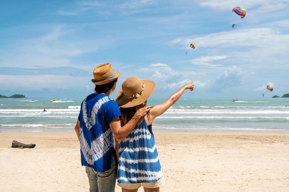 1537343819_andaman_couple_on_honeymoon.jpg