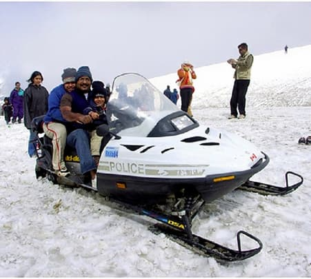 Snow Scooter in Rohtang Pass near Manali