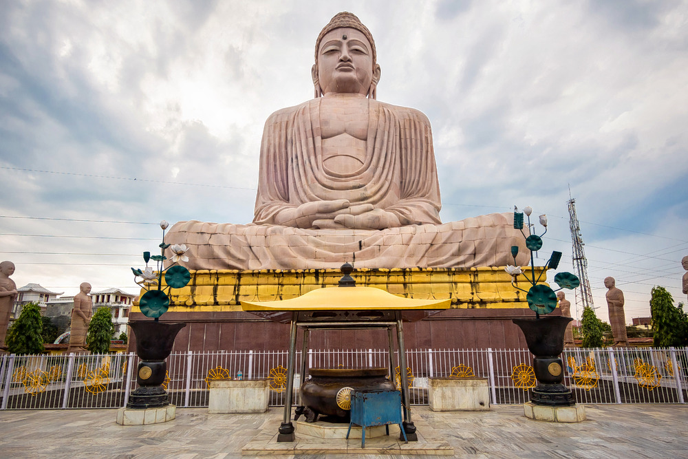 1593095656_a_buddha_statue.jpg