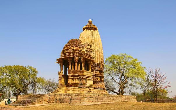 1532087771_chaturbhuja_temple_khajuraho.jpg