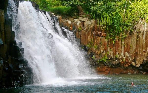 1463563845_waterfall-1341161_960_720.jpg