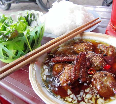 Food Tasting Tour in Hanoi