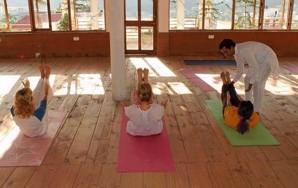 1464348313_200-hour-yoga-teacher-training-rishikesh.jpg