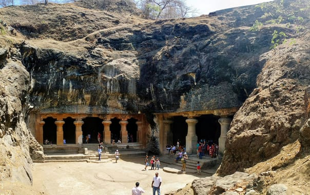 1524229348_elephanta_caves.jpg