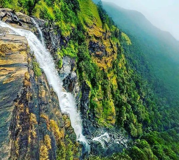 Bandaje Arbi Waterfalls Trek