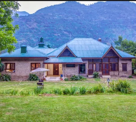 Luxurious Stay at Heritage Villa in Manali Flat 30% Off