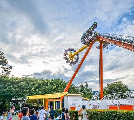 Dream World Amusement Park Ticket, Bangkok - Flat 28% off