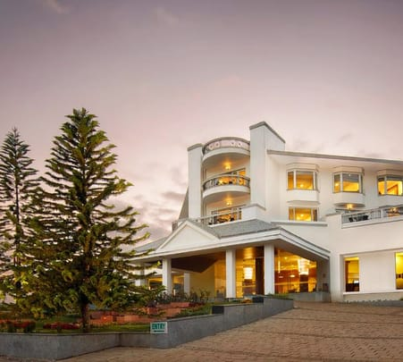 Luxurious Stay at the Sterling Ooty @ 41% off