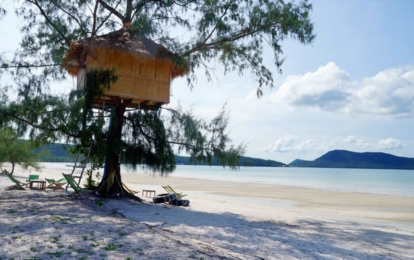 1464246688_koh_rong_sanloem_beach_tree_house.jpg
