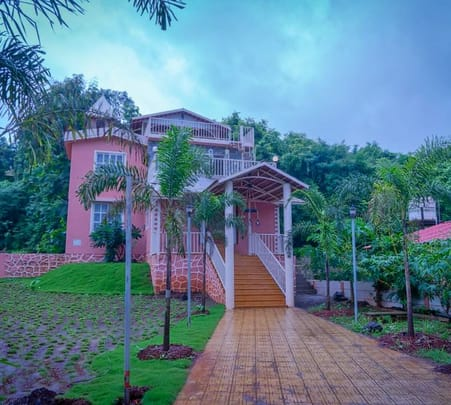 Hillside Villa near Karjat- Flat 12% off