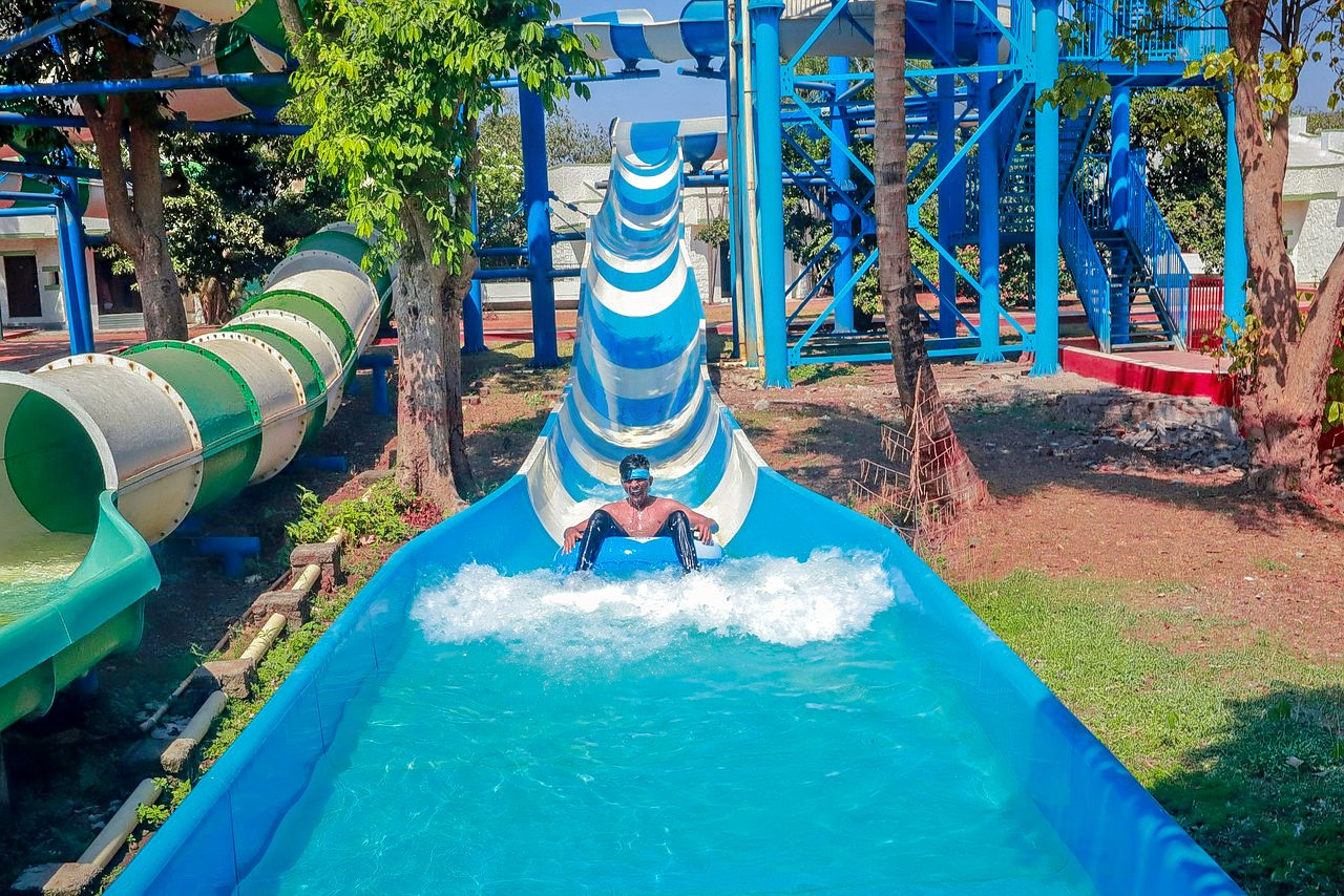 1588224799_visava-amusement-park.jpg