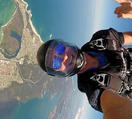 Skydiving in New Castle