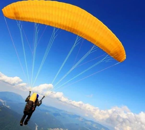 Paragliding at Hamta