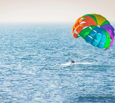 Parasailing in Goa's Calangute Beach - Flat 25% Off
