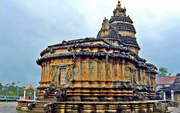 Sri-sharadamba-temple-sringeri_shrihub.jpg
