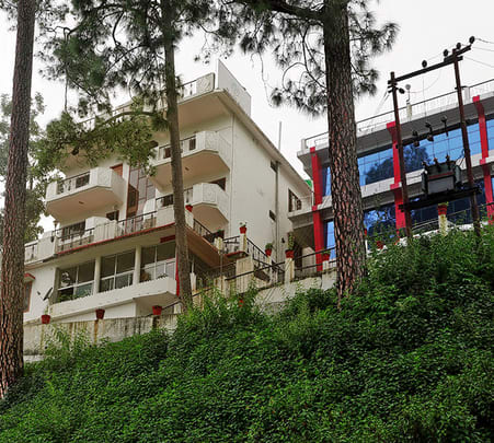 Lavish Resort Stay with Meals, Nainital