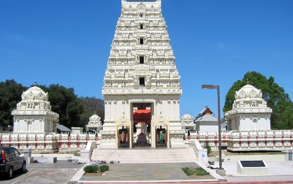 1481609186_malibu_hindu_temple_25.jpg