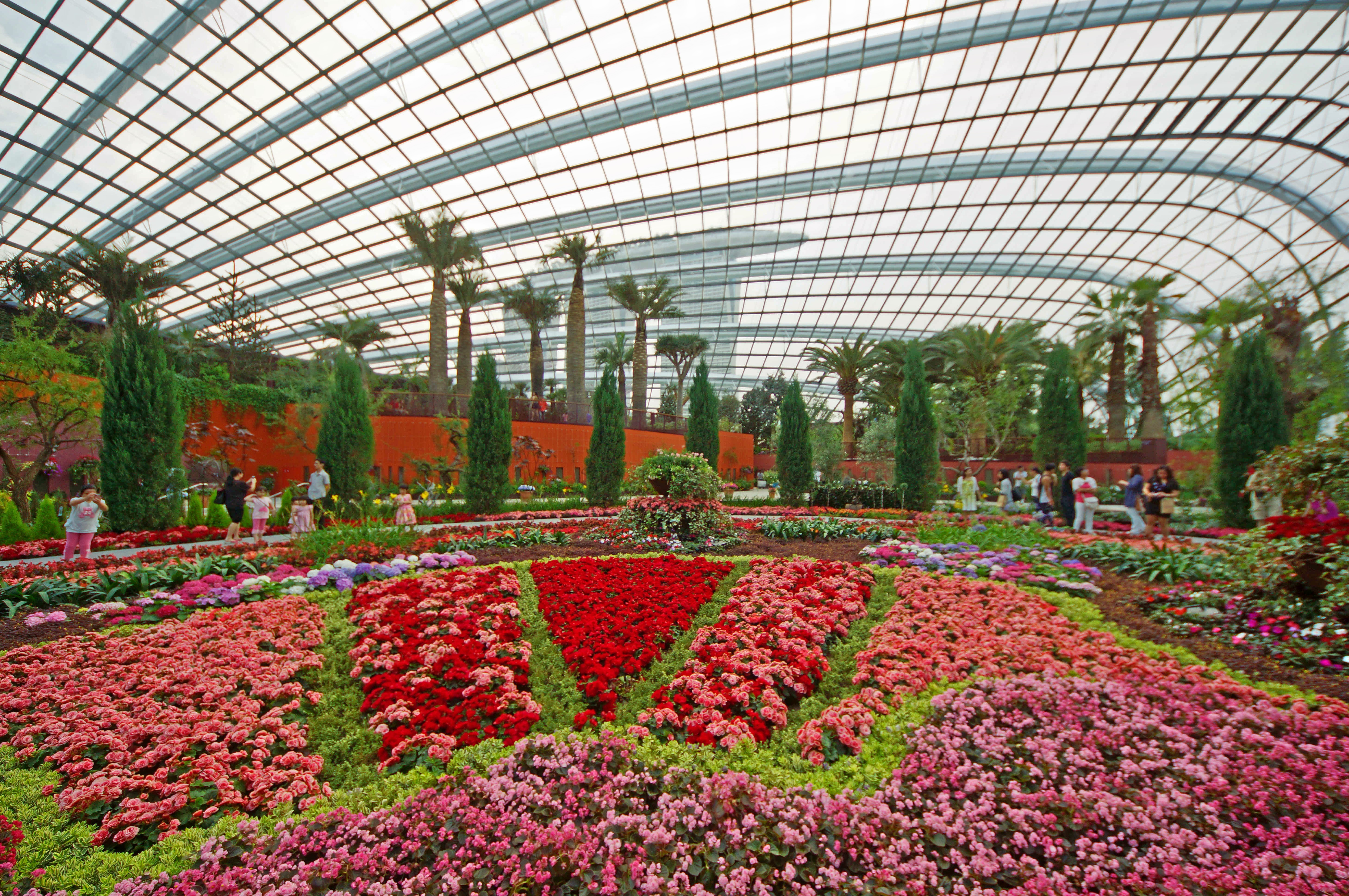 1465885864_flower_dome__gardens_by_the_bay__singapore_-_20120617-04.jpg