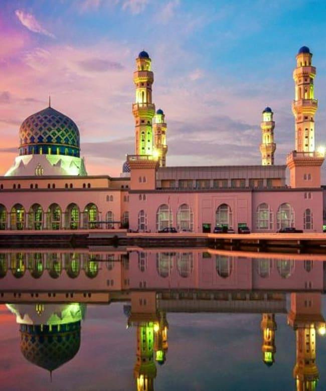 1521458009_kota-kinabalu-city-mosque-is-the-second-main-mosque-in-kota-kinabalu-sabah-malaysia-sunset-reflection-in-water-wallpaper-hd-1920x1200-915x515.jpg