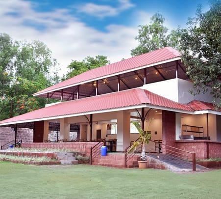 Riverside Resort Stay with Recreational Activities, Koyna