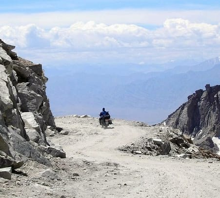 Ladakh Motorcycle Tour From Manali To Srinagar