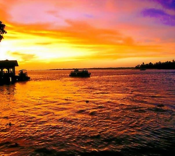 Kerala Backwaters Tour