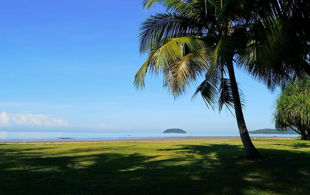 1463749257_1024px-kota_sapi_island.jpg