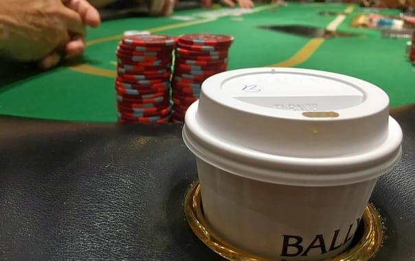 1481090349_bally's_casino-_poker_table_(26741374976).jpg