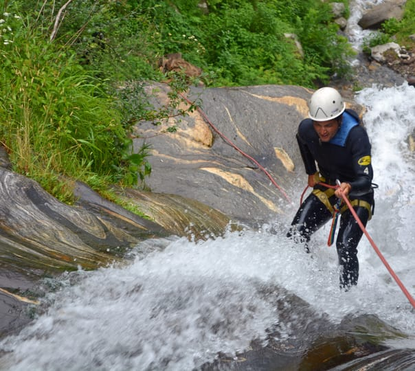 Canyoning at Vashist in Manali