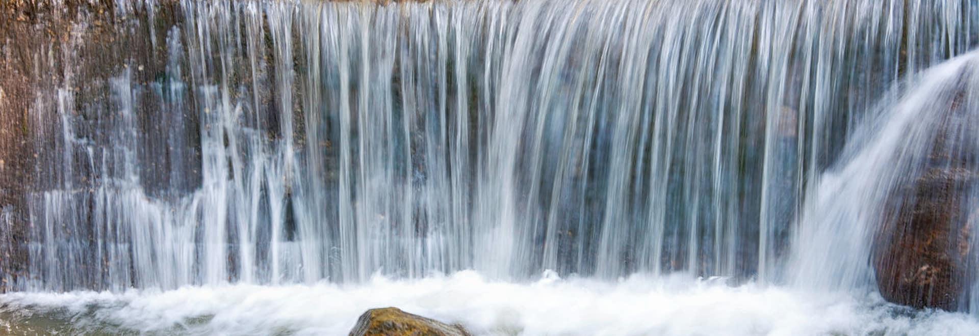 1493365198_1280px-ban_jhakri_falls_-_gangtok.jpg