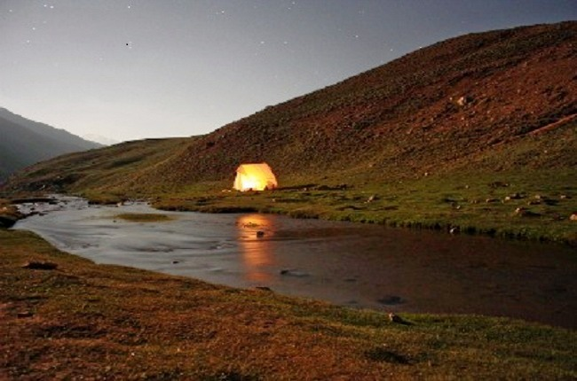 Chandratal_lake_trek_over_hampta_pass_1.jpg
