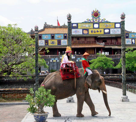 4 Days Sightseeing Trip to Da Nang – Hoi an – My Son – Hue