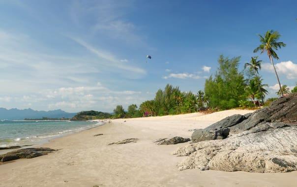 1463743464_cenang_beach_view__langkawi.jpg